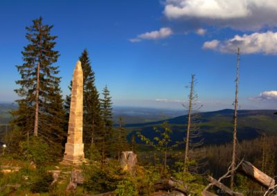 Obelisk Adalberta Stiftera nad Plešným jezerem