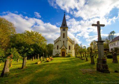 Obnovený kostel sv. Jana Nepomuckého ve Zvonkové